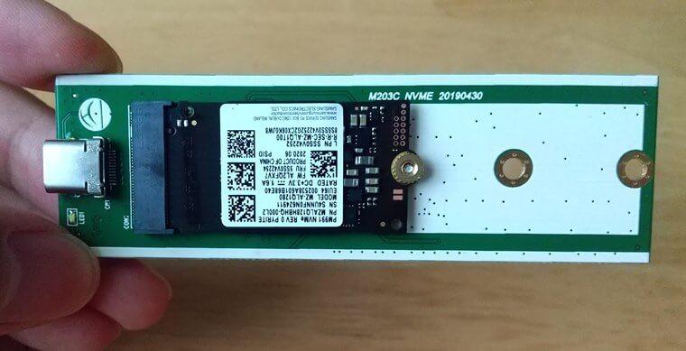 FIDECOのm.2 SSD(NVMe)ケースの基盤にSSDを実装したところ